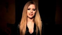 Support the Avril Lavigne Foundation for the Holidays!