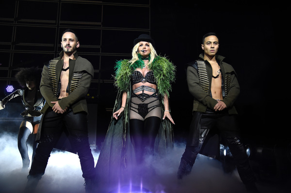 Britney Spears Kicks Off Piece Of Me Tour!