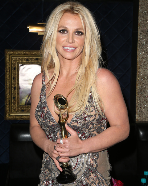 Britney Honored With Fragrance Of The Year Award