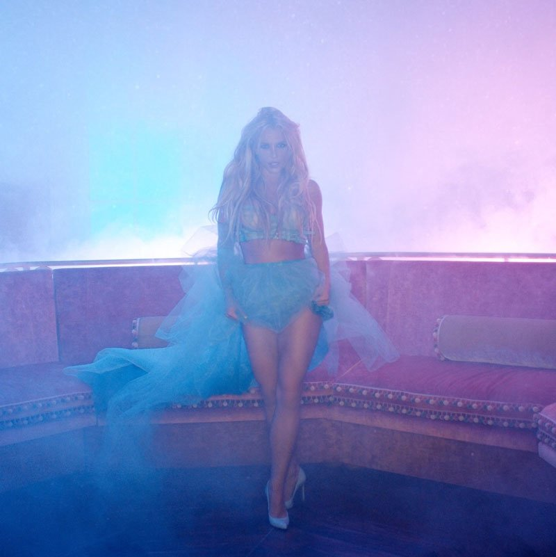 Slumber Party ft. Tinashe video premieres