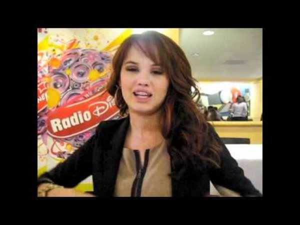 Tons of Hair Tips from DEBBY RYAN (Suite Life on Deck)!
