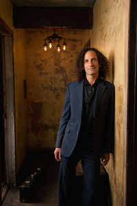 Kenny G Set To Host Musicians Hall of Fame Induction Ceremony & Concert