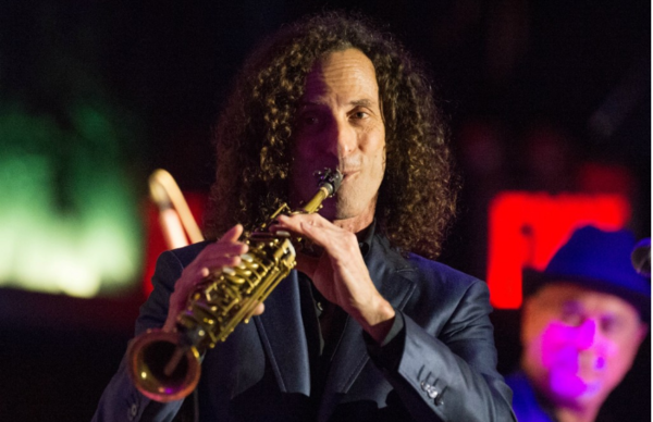Kenny G Takes An Etiquette Solo