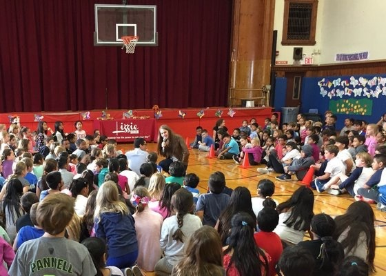 Lizzie visits Southampton Elementary School