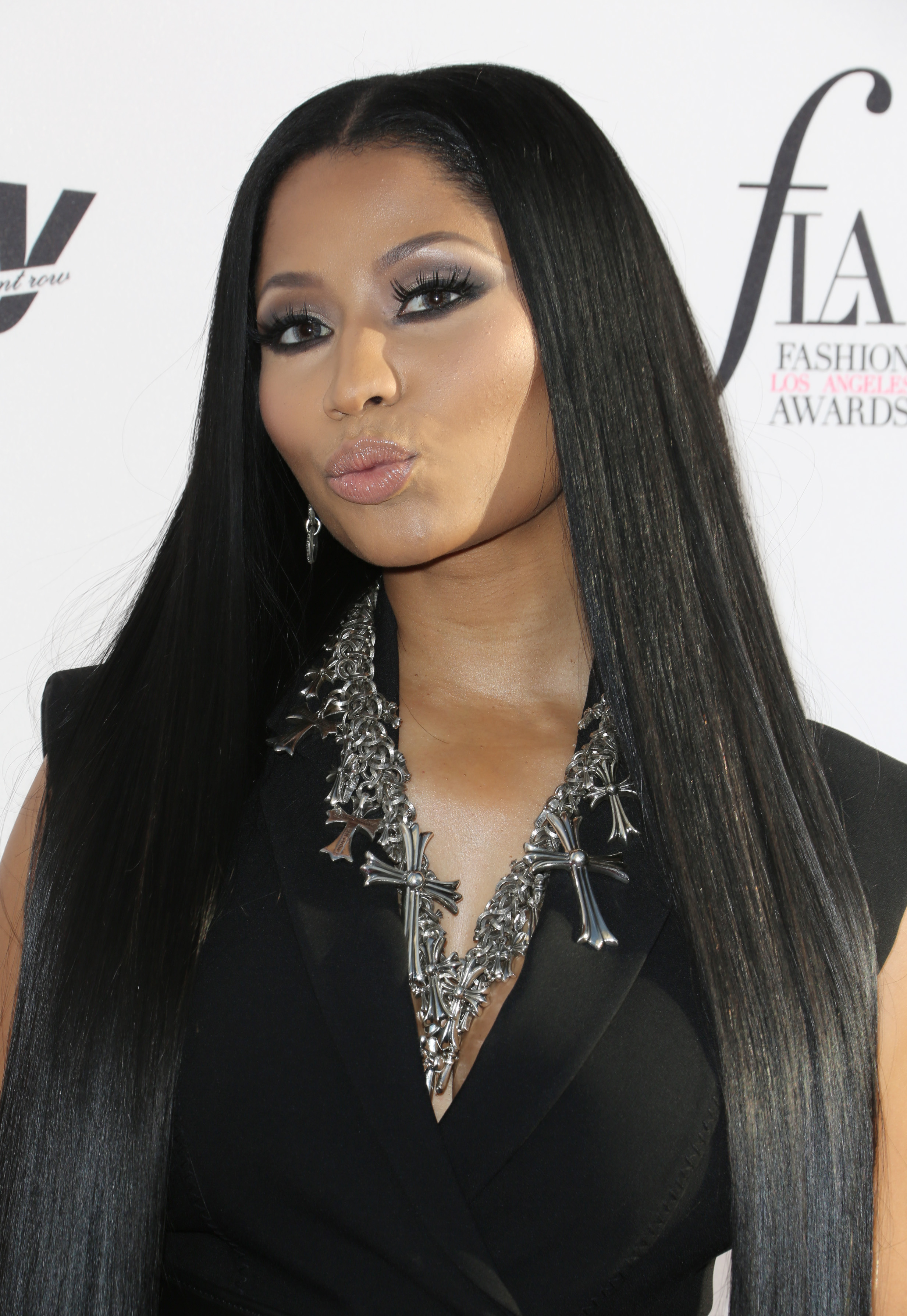 nicki minaj Hot off the release of her new album 'queen,' nicki minaj came to stun at the mtv vmas in new york city with a special performance.