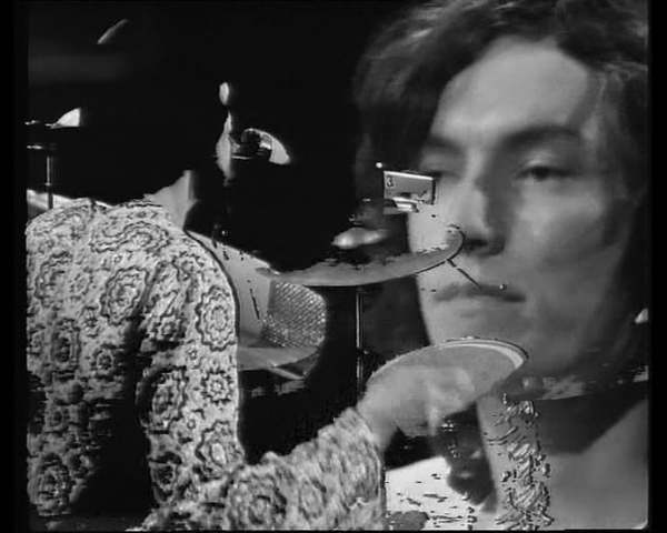 "Traffic - ""Here We Go 'Round The Mulberry Bush"" - Live on Beat Club, Radio Bremen, 1968"