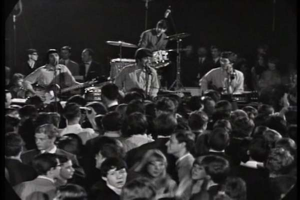 "The Spencer Davis Group - ""Somebody Help Me"", Live on 'Beat Beat Beat' Germany, July, 1966"