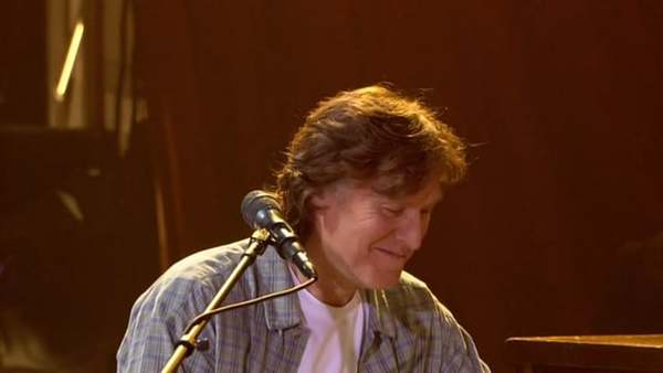 "Steve Winwood - ""Rainmaker"" - Live at PBS Soundstage, 2005"