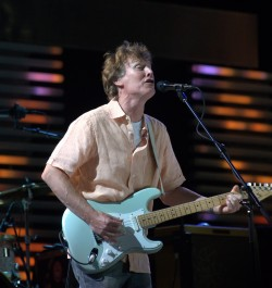 Daily News: Tour Puts Steve Winwood 'Back In The High Life'