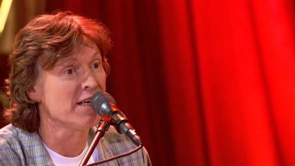 "Steve Winwood - ""Walking On"" - Live at PBS Soundstage, 2005"