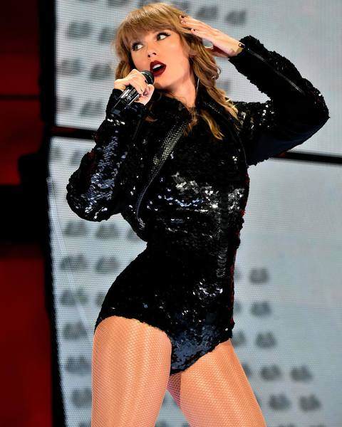 TAYLOR SWIFT MAKES HISTORY AT CROKE PARK