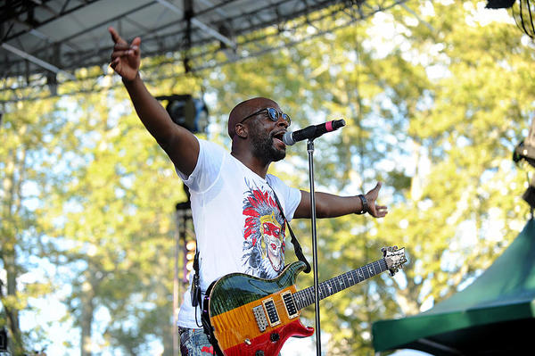 WYCLEF JEAN BRINGS HIS CARNIVAL TOUR TO THE KNITTING FACTORY